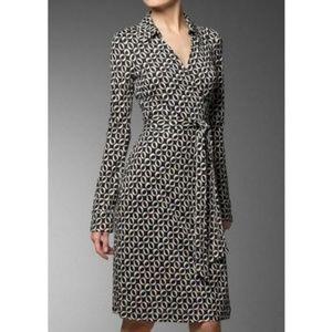 DVF 100% Silk Black OK Print Jeanne Wrap Dress 2